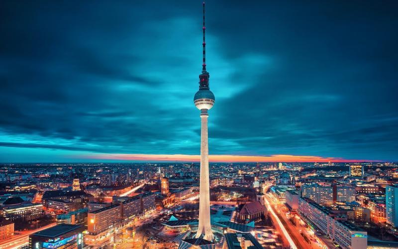 Berlino Classica 3 notti partenza 3 Gennaio volo da Napoli - Europa