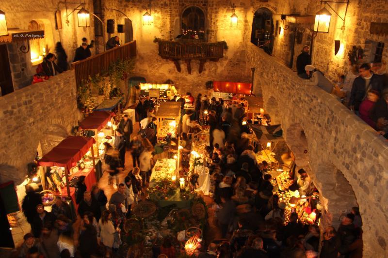 Gita in Bus - Cadeaux Natalizi a Castello di Limatola 22 Novembre - Limatola