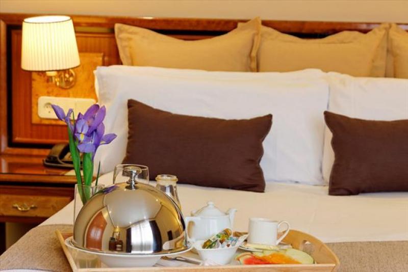 Immacolata a Madrid - BEST WESTERN Hotel Mayorazgo volo da Napoli - Madrid