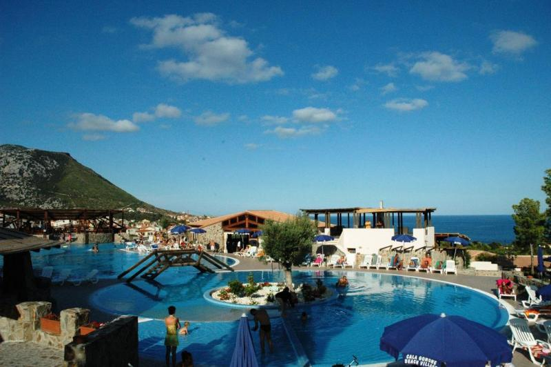 Cala Gonone Beach Village 4*