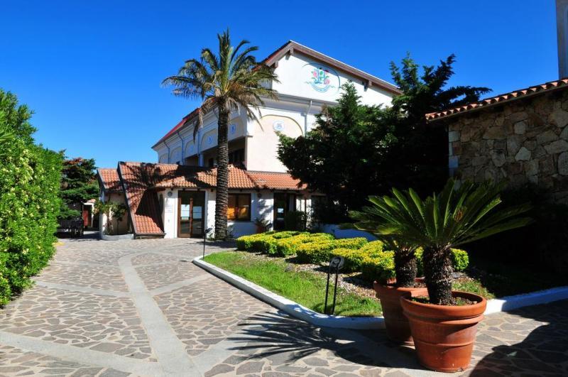 Hotel Club Le Rose 4*