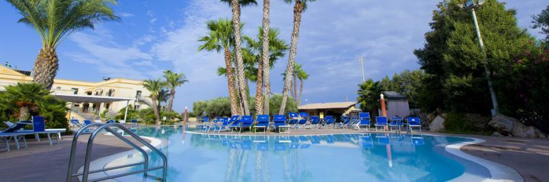 Delfino Beach Hotel 7 Notti dal 1 Agosto