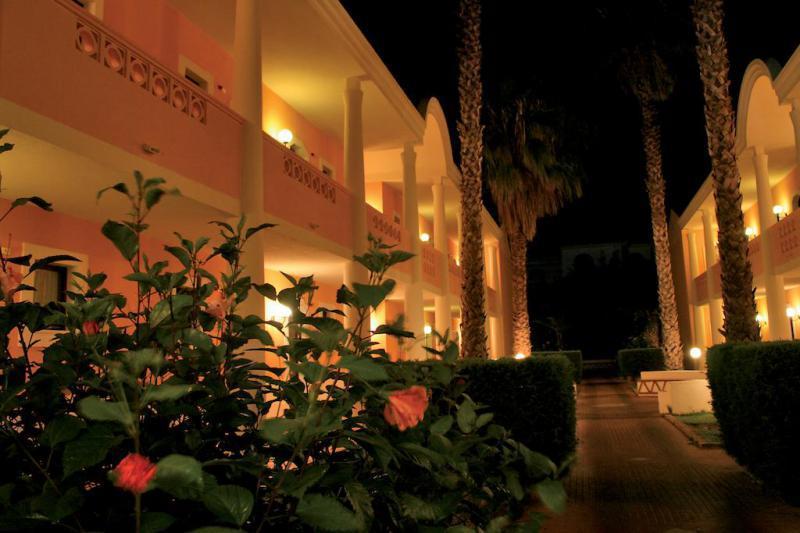 Le Castella Village 7 Notti Partenza 10 Giugno Camera DBL