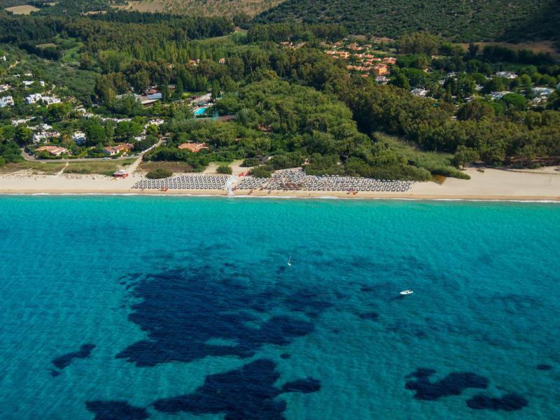 Bluserena Calaserena Village 4*