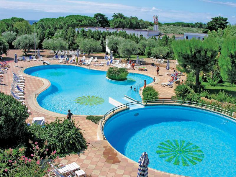 Le Castella Village 4*