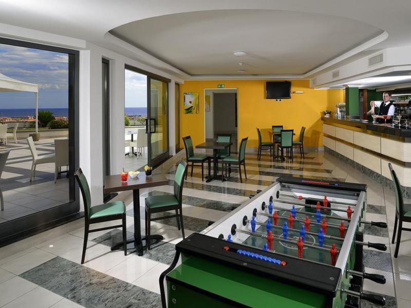 Mirabeau Park Hotel 4*