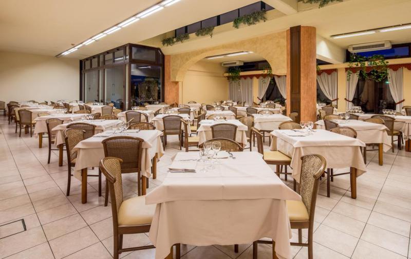 Naxos Beach Hotel 4*
