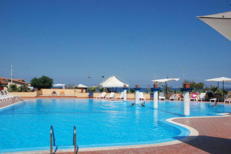 Villaggio Club Borgo Marino Albatros 3*