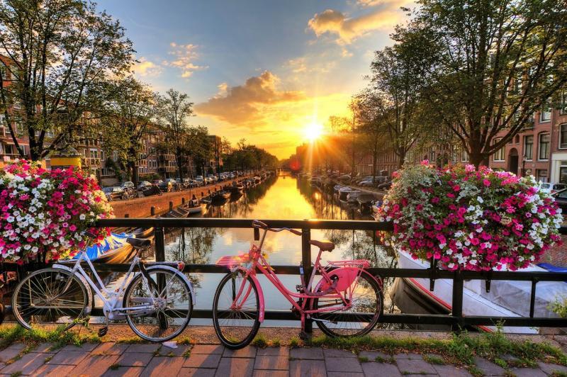 Ponte Ognissanti ad Amsterdam dal 28 Ottobre 4 Notti Hotel Europa 92