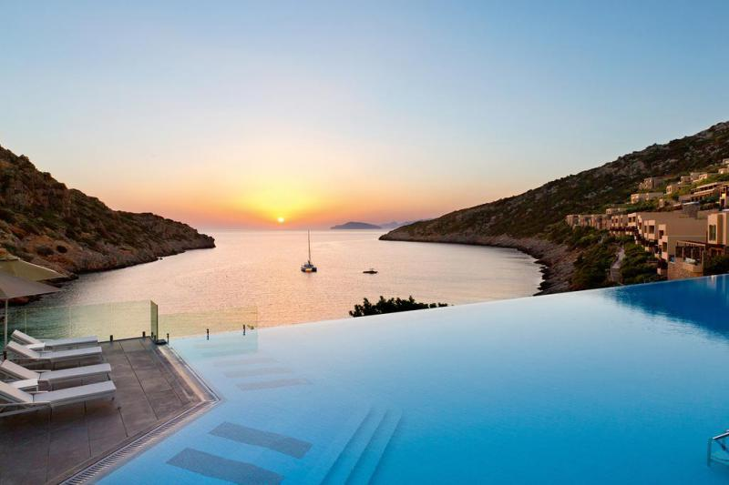 Daios Cove Luxury Resort & Villas 4 Notti Junior Suite Sea View con Piscina…