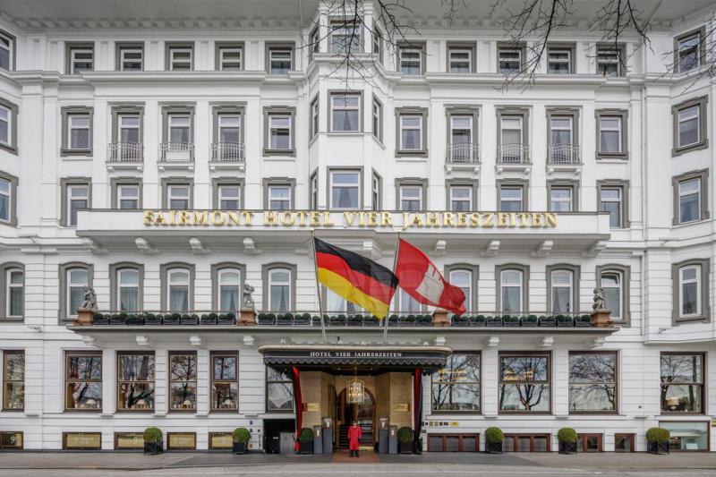 Fairmont Hotel Vier Jahreszeiten 2 Notti Camera Deluxe Cortyhard View - Germania