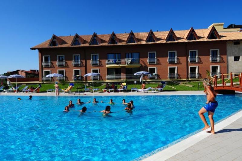 Speciale Famiglia Corte dei Greci Resort Camera Zeus TPL da 4 Luglio
