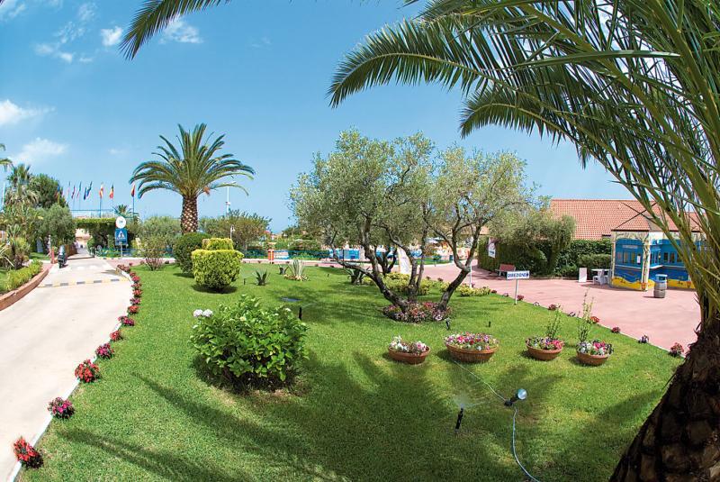 Hotel Club La Pace 7 Notti Dal 12 Luglio