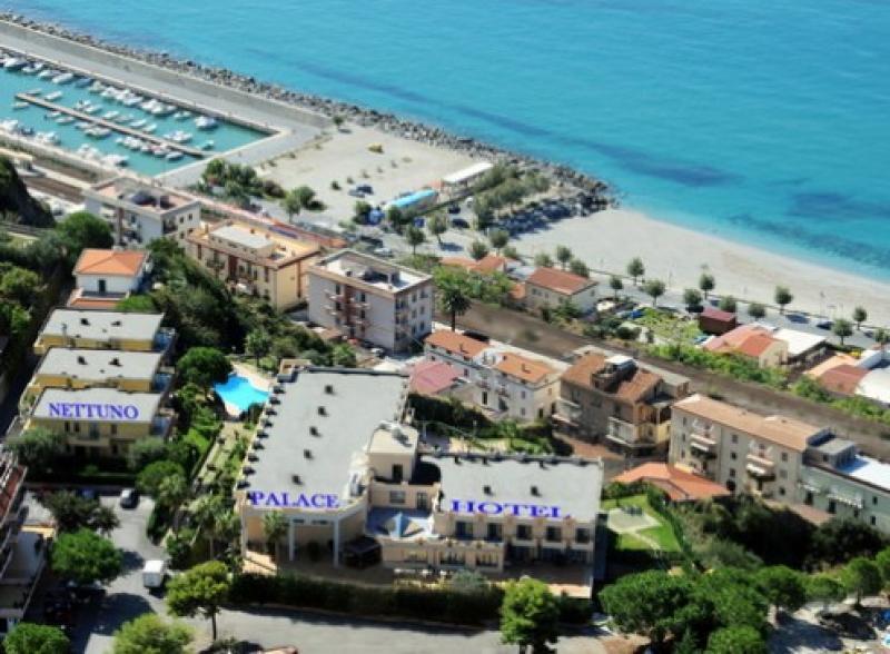 Nettuno Palace Hotel 7 Notti dal 3 Maggio - Calabria