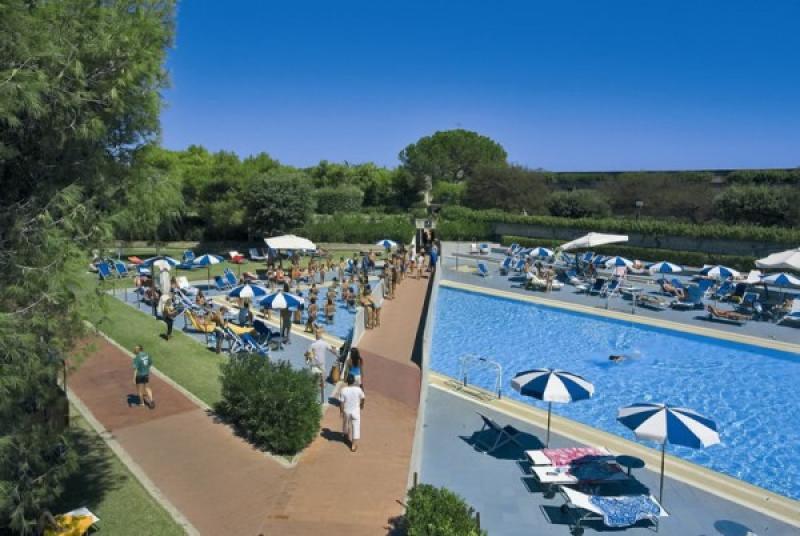 Voi Alimini Beach  Resort 7 Notti Mezza Pensione dal 21 Giugno - Puglia