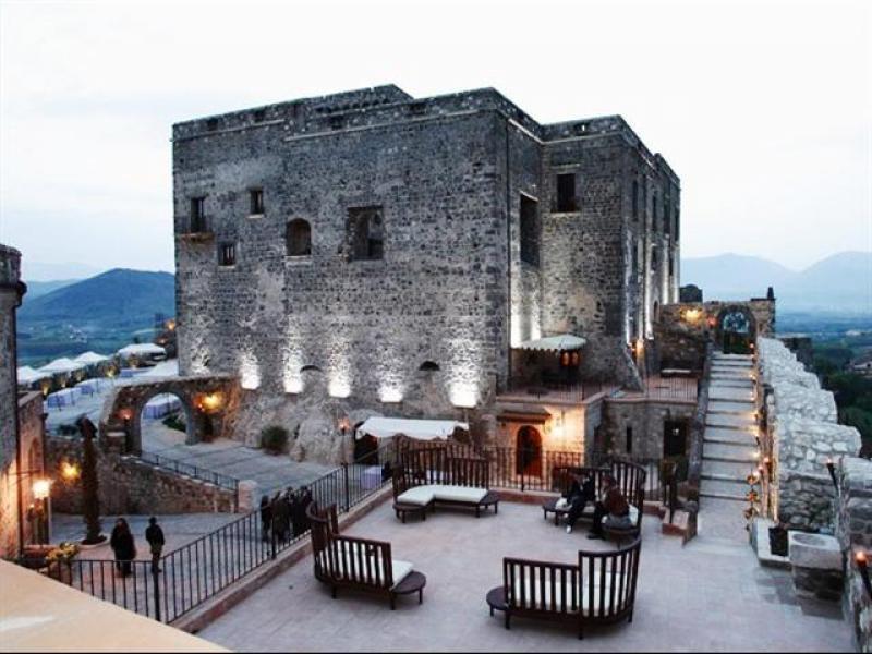 CADEAUX NATALIZI la mostra mercatino al Castello di Limatola - Castello di limatola